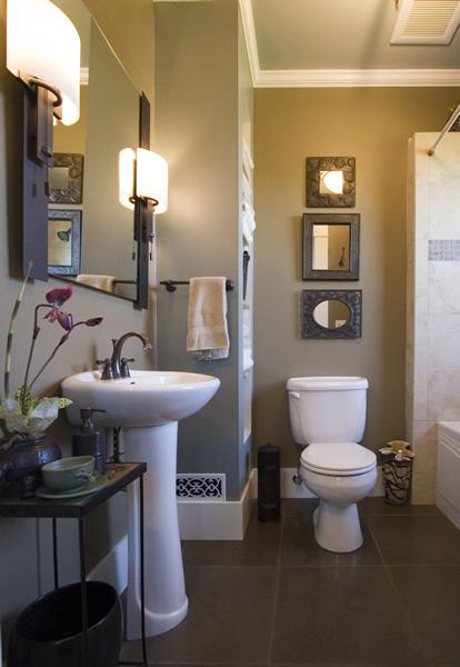 Hawk meadow homecraft portfolio bathroom remodel for Redoing bathroom walls